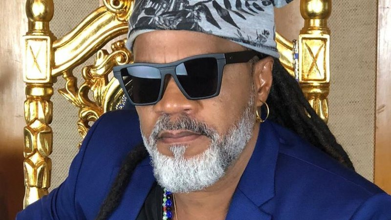 Carlinhos Brown desabafa sobre racismo