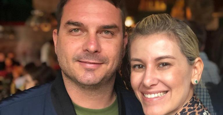 Máxima · Flávio Bolsonaro faz rara homenagem à mulher no Dia dos ...
