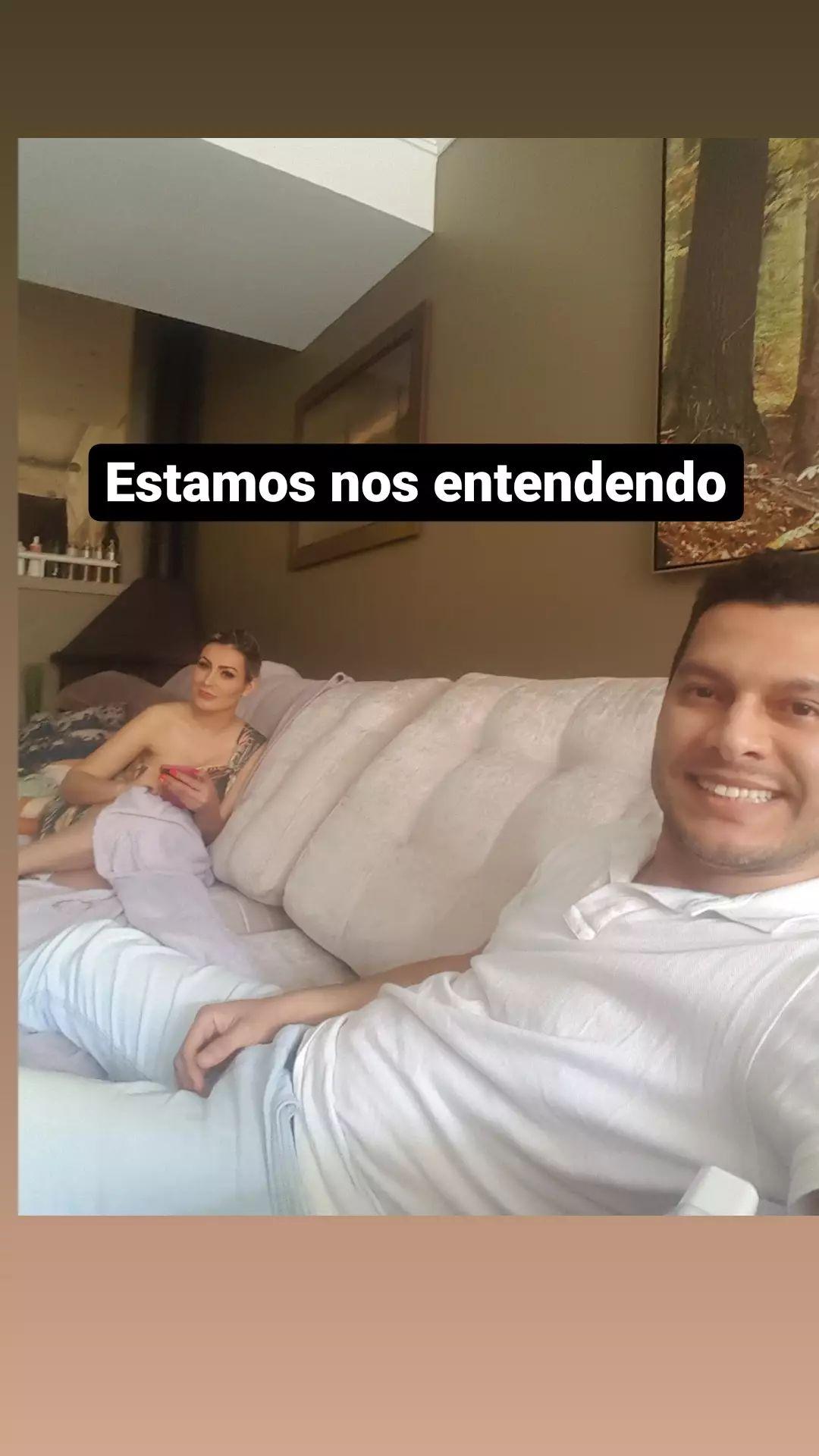 Andressa Urach e Thiago Lopes posaram juntos