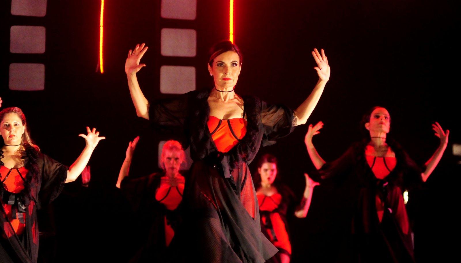 Fátima Bernardes em apresentação de dança