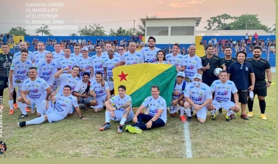 Felipe Prior participa de 'Futebol Solidário'
