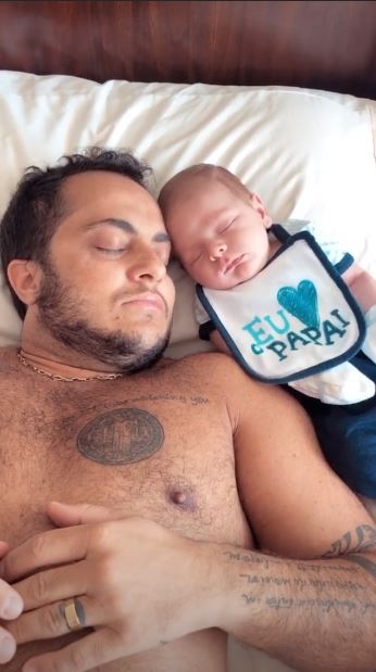 Thammy Miranda dormindo com Bento