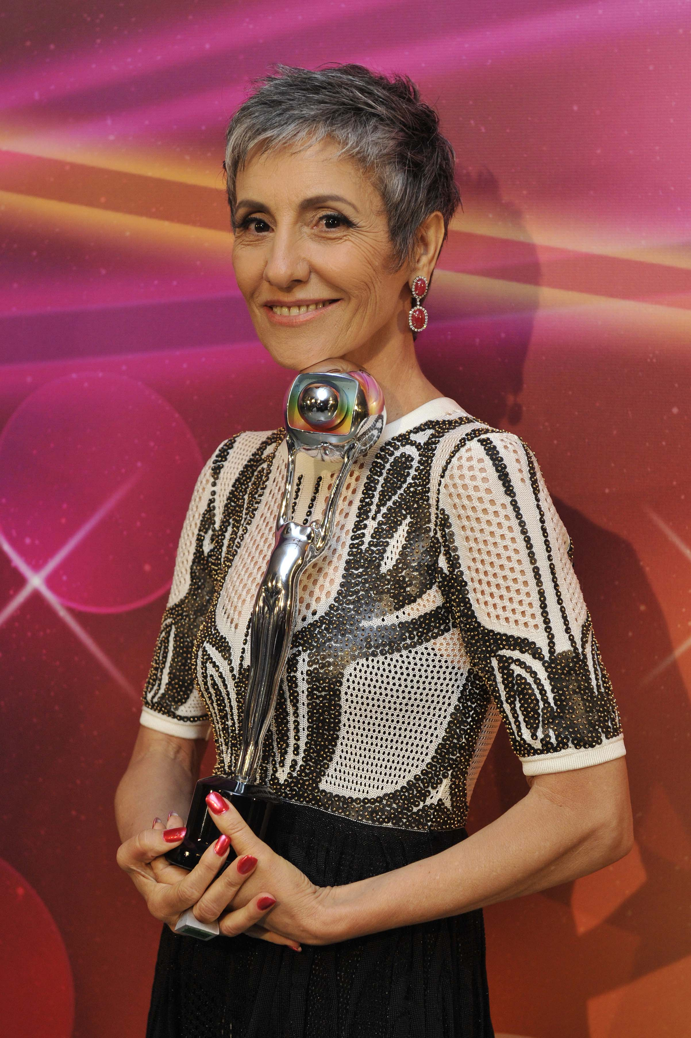 Rodrigo Cintra comenta look de Cassia Kiss Magro