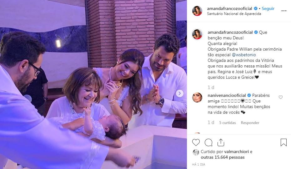 Amanda Françozo batiza filha em Santuário de Aparecida