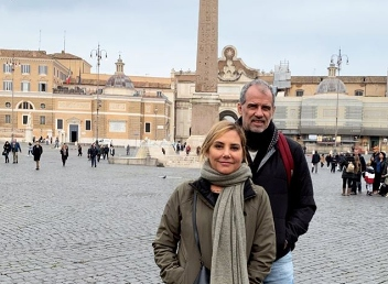 Heloisa Périssé surge ao lado de marido em Roma