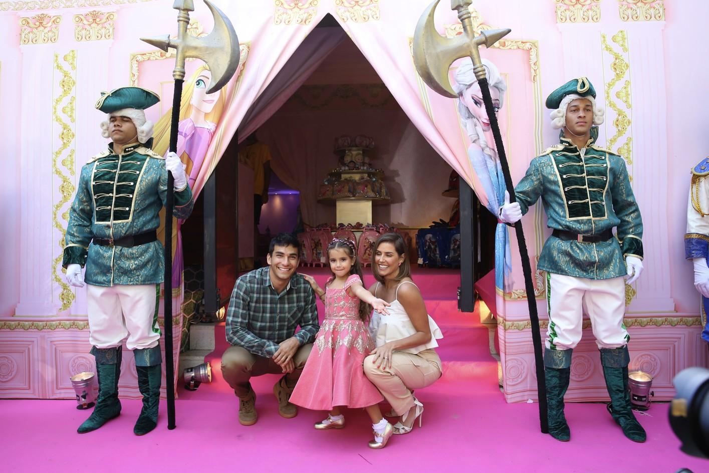 Filha de Deborah Secco comemora aniversário de 4 anos com festão