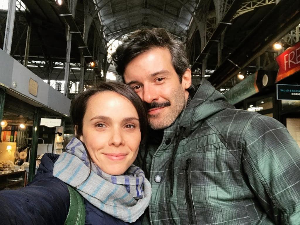 Débora Falabella e Gustavo Vaz apareceram juntinhos