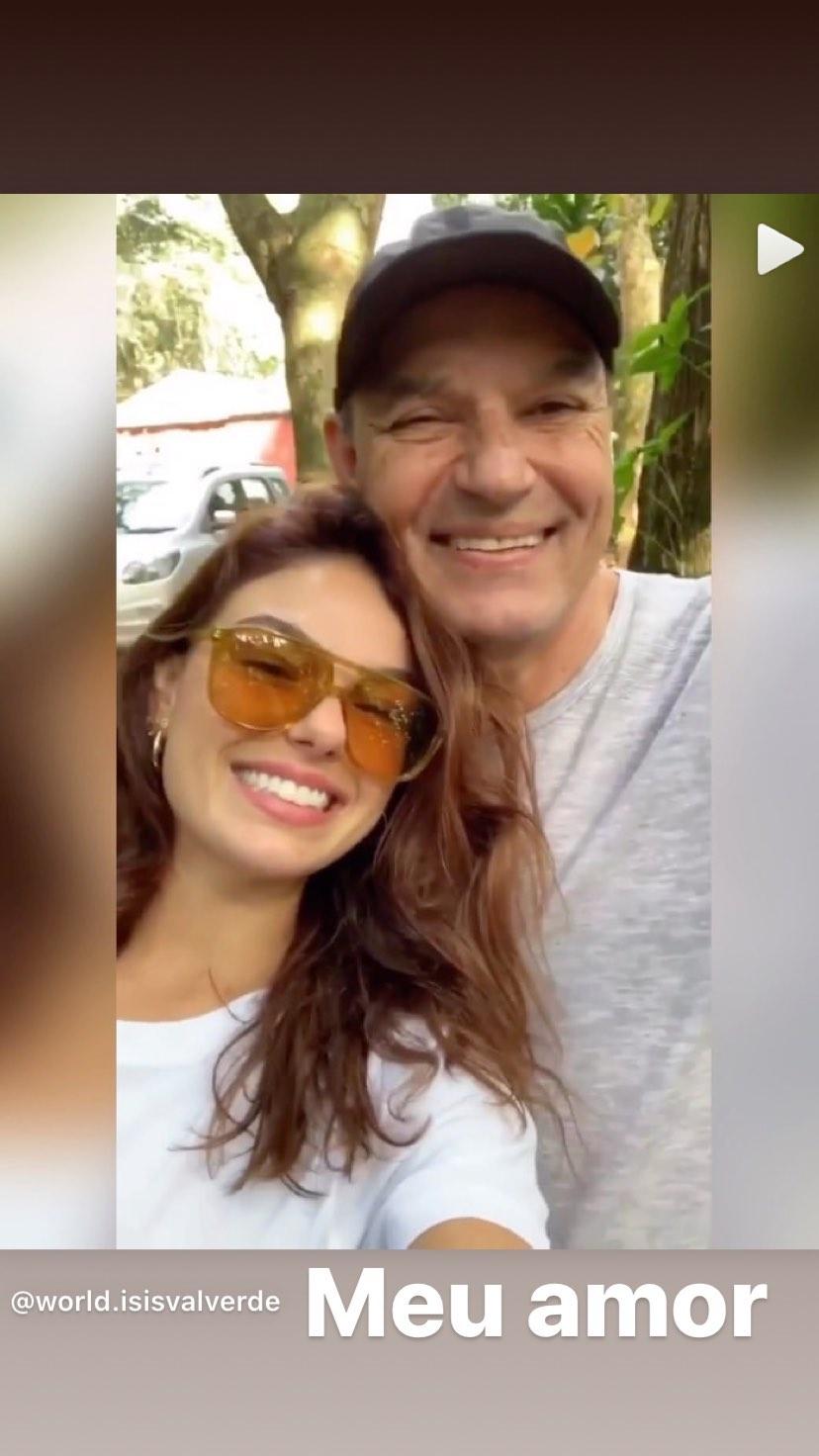 Isis Valverde compartilha vídeo ao lado do pai, Rubens Valverde