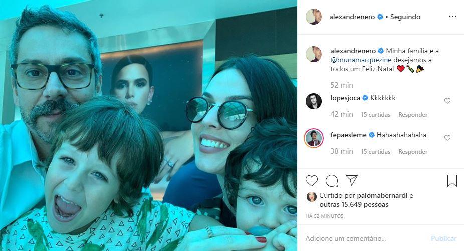 Alexandre Nero e Família em selfie de natal
