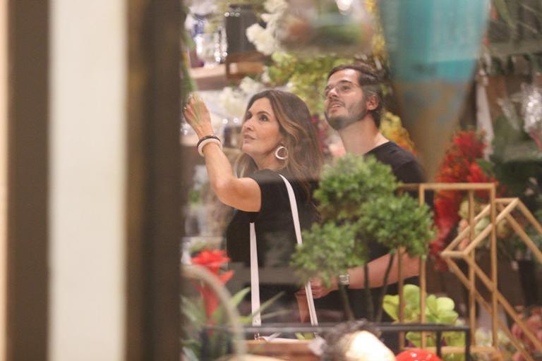 Fátima Bernardes e Túlio no Shopping