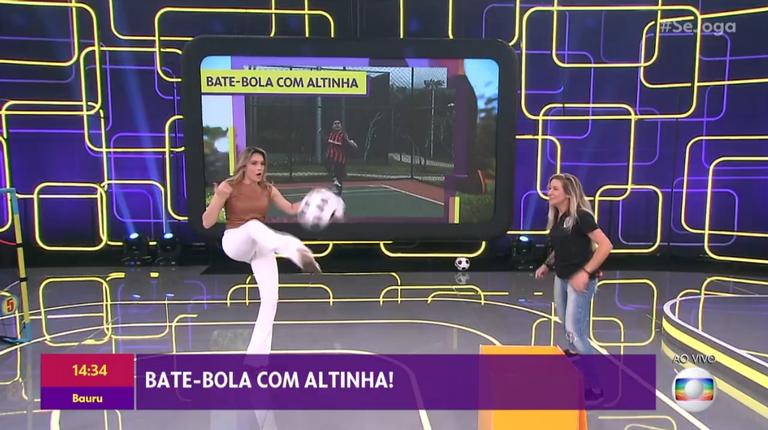 Fernanda Gentil joga altinha com Cacau, do Corinthians, durante programa 'Se Joga'