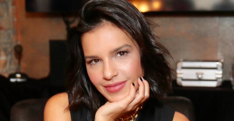 Mariana Rios foca na carreira da música e confessa que se afastou das novelas