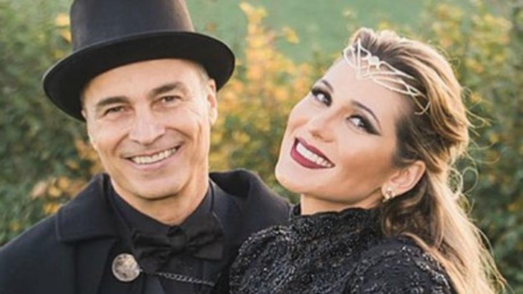 Lívia Andrade revela intimidades
